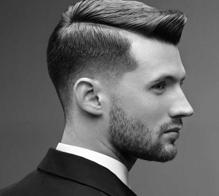 taglio capelli uomo pompadour